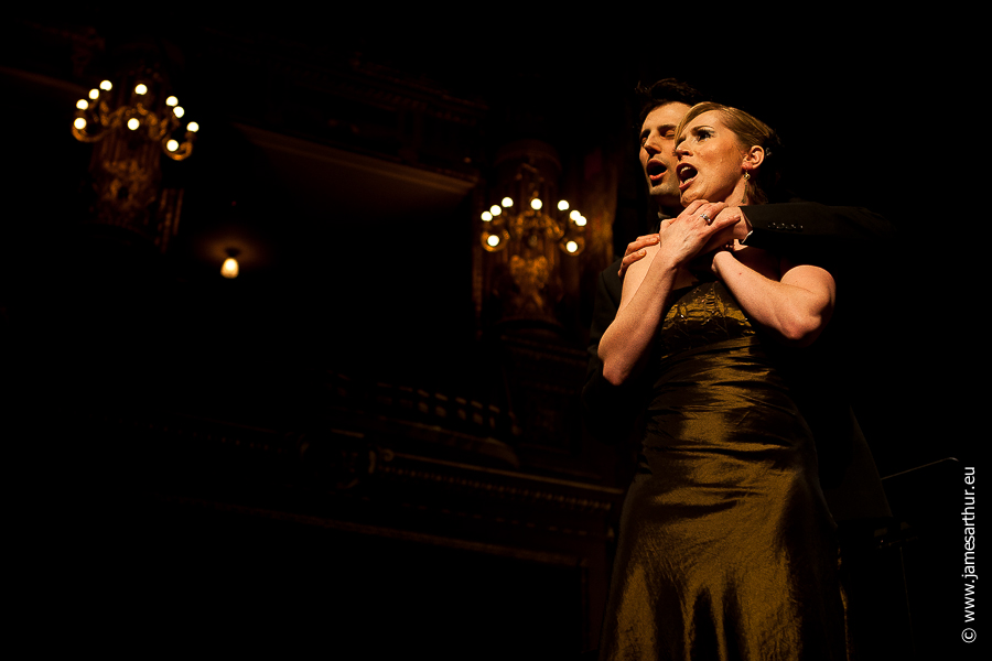 Helena Maes, Opera Singer