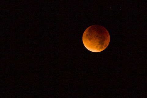 Blood moon in Gent