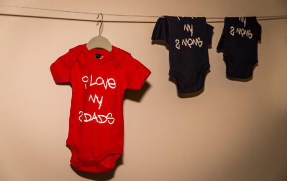 """""""Men having babies"""" fair in Brussels"""