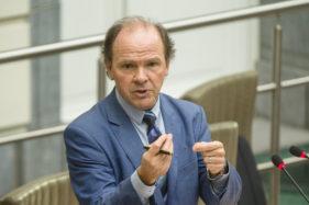 Plenaire Zitting Vlaams Parlement, Philippe Muyters.