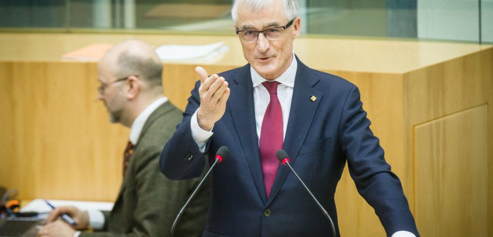 Plenaire Zitting Vlaams Parlement, geert Bourgeois.