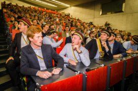 Theo Francken spreekt voor KVHV studenten in Auditorium Quetelet, Linkse betogers verstoren de lezing.