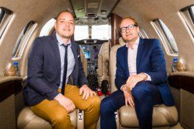 Luchtvaartdag in Luchthaven van Wevelgem-Kortrijk, woordvoerder Jeroen Tiebout en minister Ben Weyts.